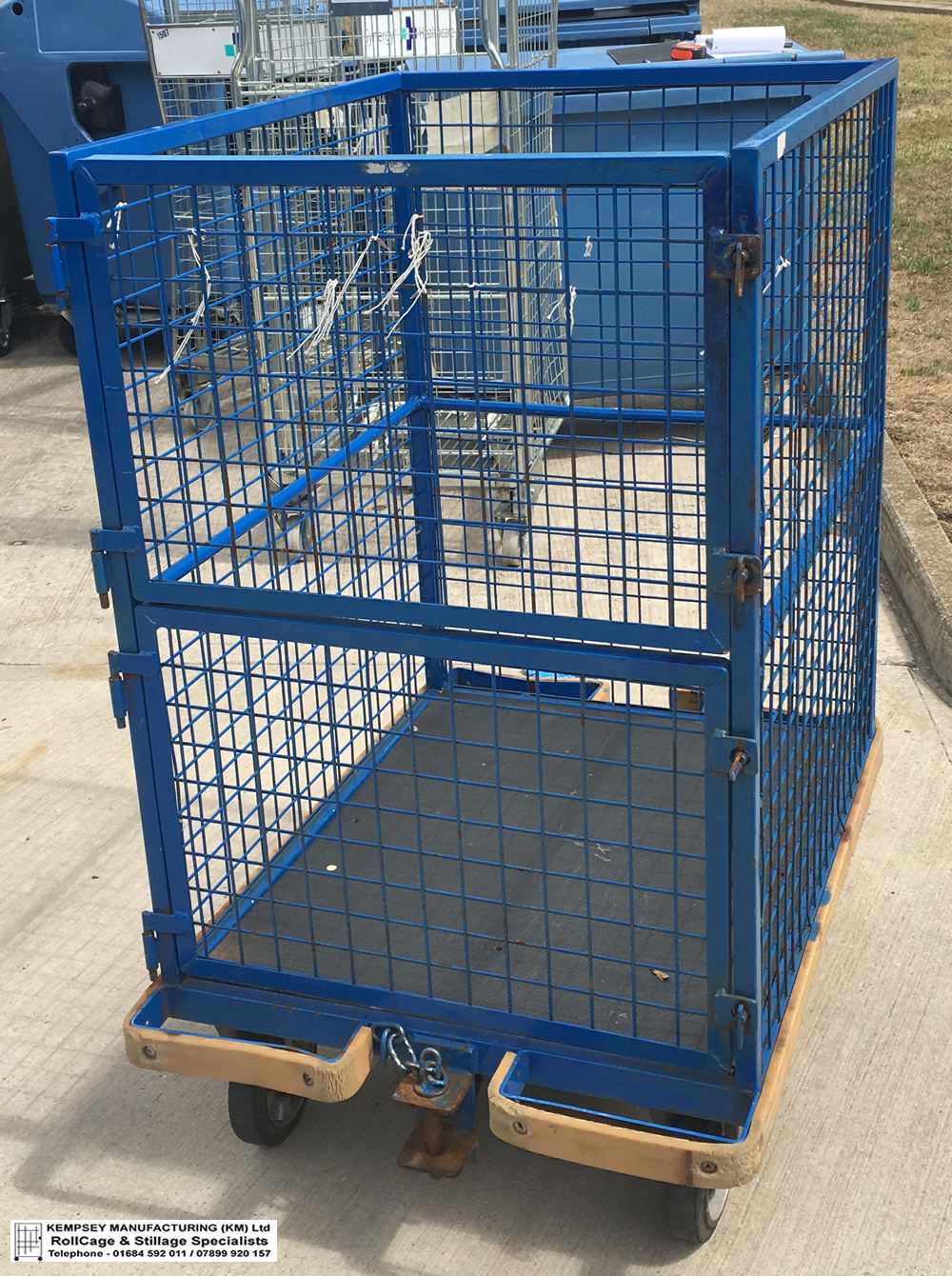 TOWABLE LAUNDRY TROLLEYS
